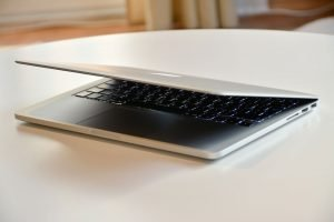 servis ganti baterai macbook pro