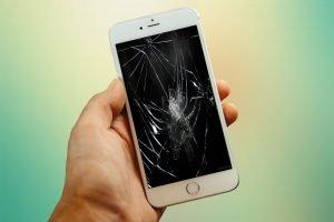 Kaca iphone rusak
