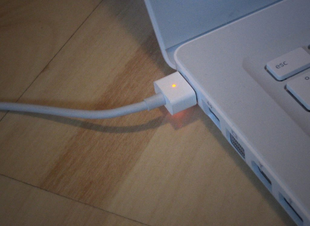 macbook charging